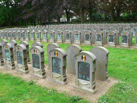 Schoonselhof Cemetery -  Day Tours