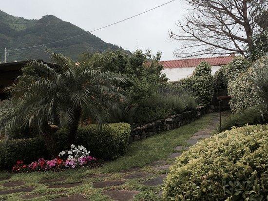 Hotel Ravesi : Il giardino