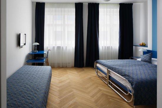 AXA hotel: Triple room