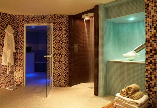 Spa picture of feversham arms hotel verbena spa for Salon armes