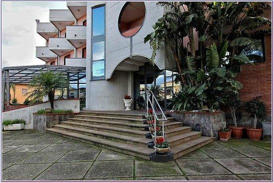 Hotel Ristorante Zi Carmela: Entrata