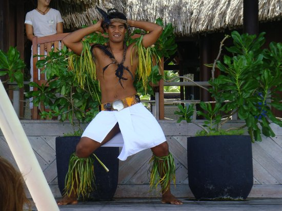 Conrad Bora Bora Nui : 到着時のタヒチアンダンス