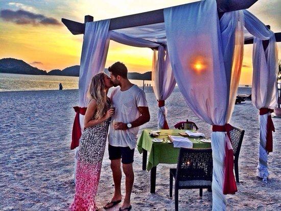 Meritus Pelangi Beach Resort & Spa, Langkawi : Dinner at the restaurant