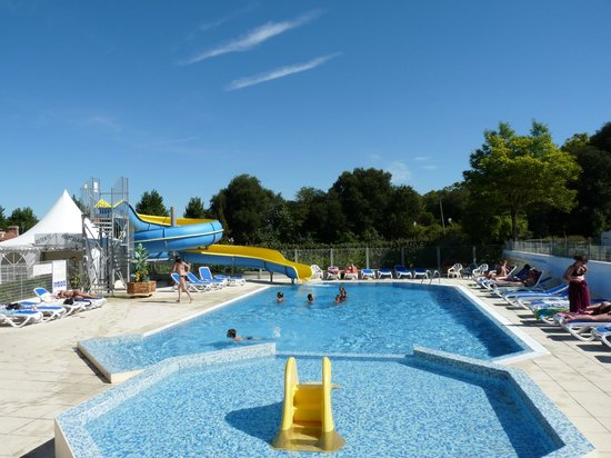 Piscine exterieure chauffee picture of camping la for Piscine st jean de monts