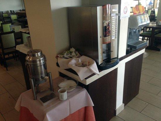 Mistral Mare Hotel: Сахар из общей миски