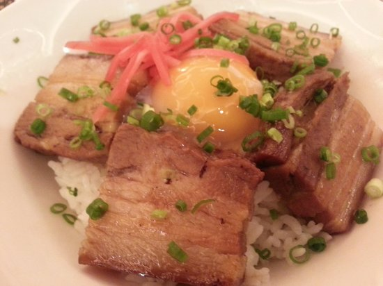 DoubleTree by Hilton Hotel Naha : 夕食に食べたラフテー丼