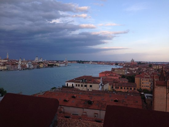 Hilton Molino Stucky Venice Hotel: Amazing view at roof top bar