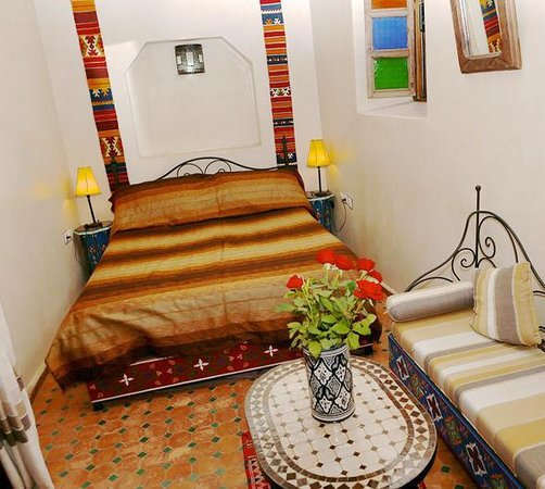 Riad Eva : Casablanca double first floor en-suite bedroom with chaise lounge opening onto mezzanine level