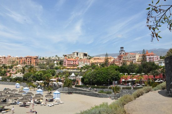 Dream Hotel Gran Tacande: Hotel from the beach