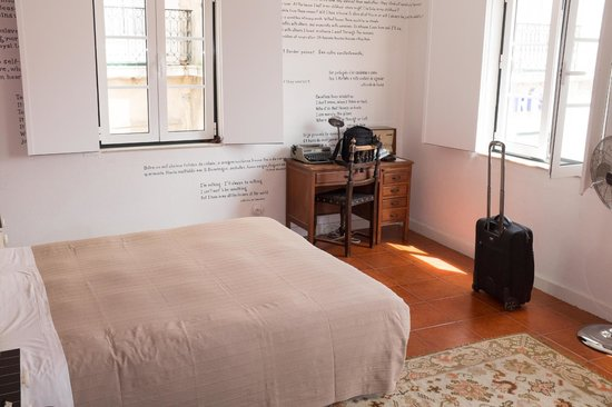 Lisbon Story Guesthouse: The Escritor Room
