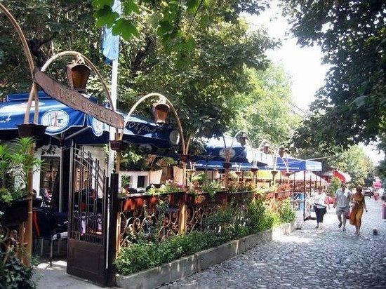 """The Skadarska street in the summer, by the """"Tri Sesira"""""""