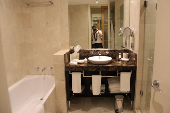 Sofitel Sydney Wentworth : Bathroom