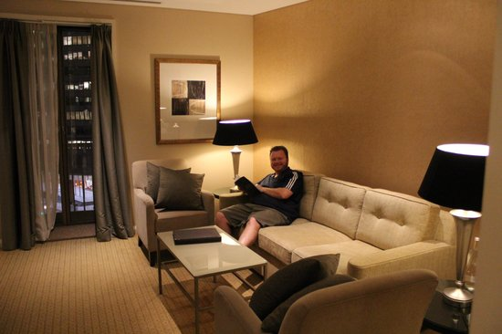 Sofitel Sydney Wentworth : Living room