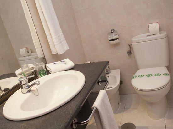 Hotel Magic Fenicia : Baño