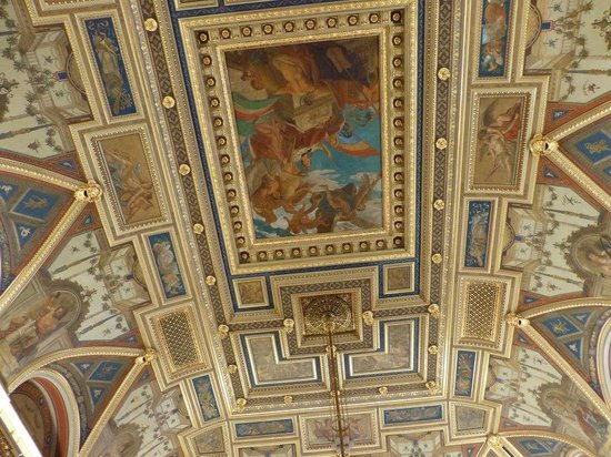 Book Cafe: Ceiling