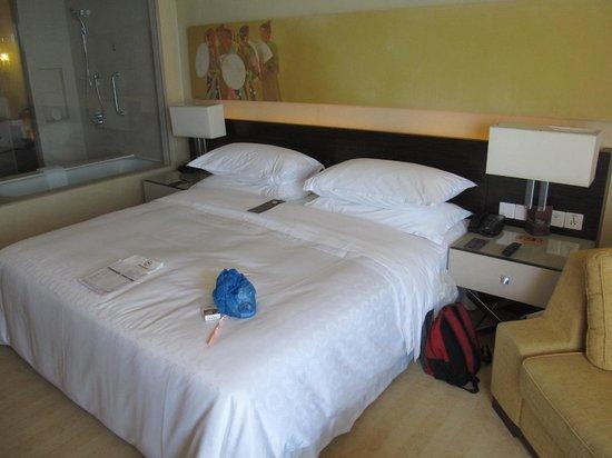 Sheraton Nha Trang Hotel and Spa: Huge comfortable bed