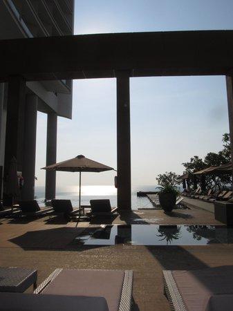 Sheraton Nha Trang Hotel and Spa : Pool area