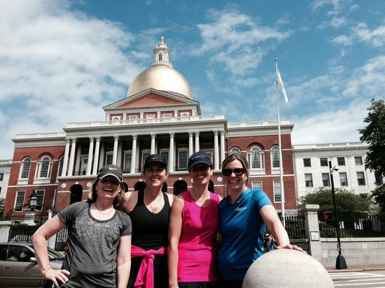City Running Tours - Boston : In front the State House