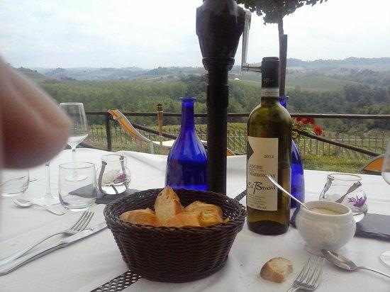 Monforte d'Alba, Italia: panorama