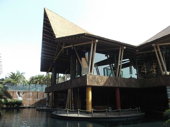 """Lopesan Baobab Resort: """"African Hut"""" in the centre of the complex"""