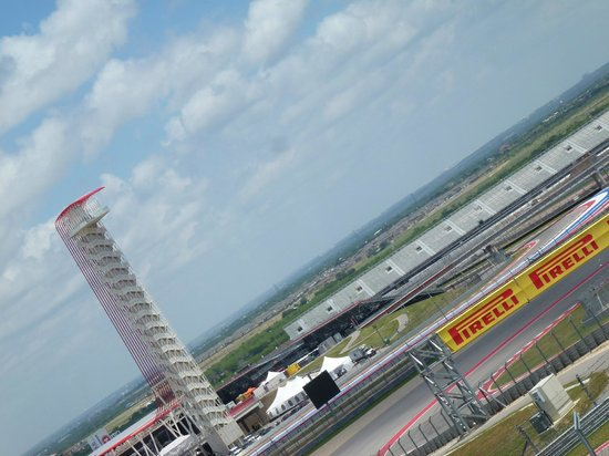 looking up to the top of the tower picture of circuit of the americas austin tripadvisor. Black Bedroom Furniture Sets. Home Design Ideas