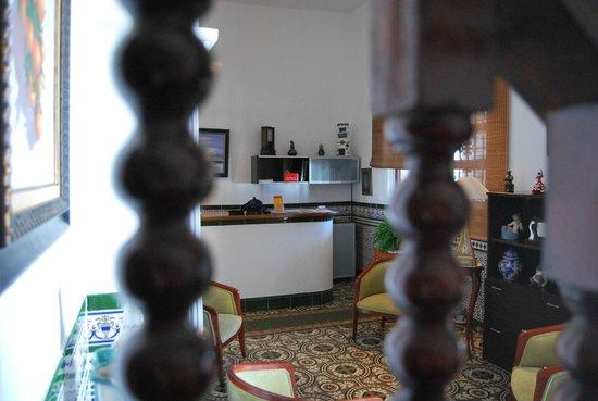 Hostal Montserrat-Casa del Mar: RECEPCION