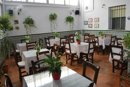 Hostal Montserrat-Casa del Mar: AMPLIO COMEDOR