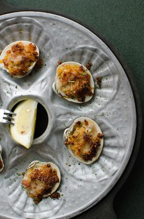 Lobster Pot: Baked Portuguese clams