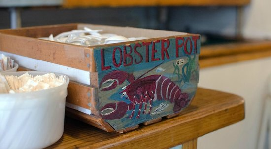 Lobster Pot: Interior