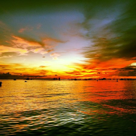 Discovery Shores Boracay: The most stunning sunsets