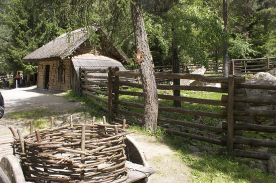 Otztal Association for Prehistoric Buildings and Local History: Otzis hut