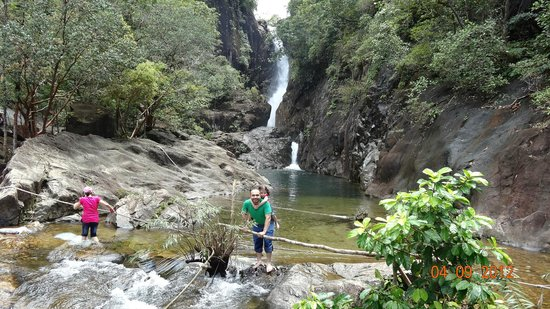 Klong Plu Waterfall: with kids