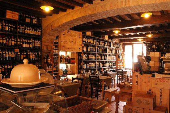 Osteria La Botte Piena: La Botte Piena à Montefollonico