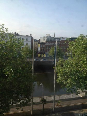 Arlington Hotel O'Connell Bridge: View from room