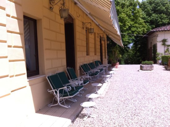 Villa Scacciapensieri : Sun lounging