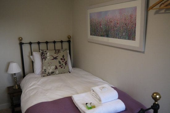 Cathedral Gate Hotel : Cosy single room