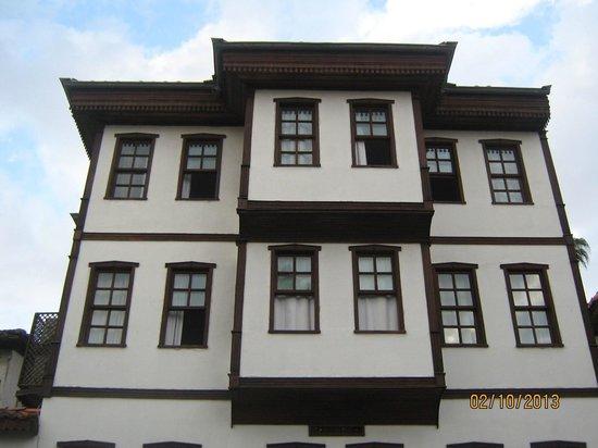 Argos: Отель вид со двора