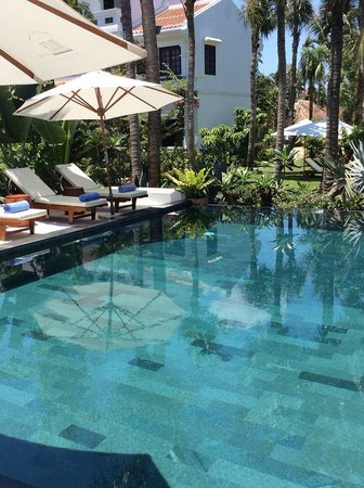 Muca Hoi An Boutique Resort & Spa: Stunning pool 10 steps from our door