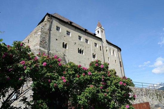 Schloss Tirol - Südtiroler Museum für Geschichte: Veduta del castello