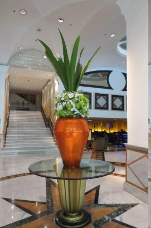 Rembrandt Hotel Bangkok : entrance in hotel