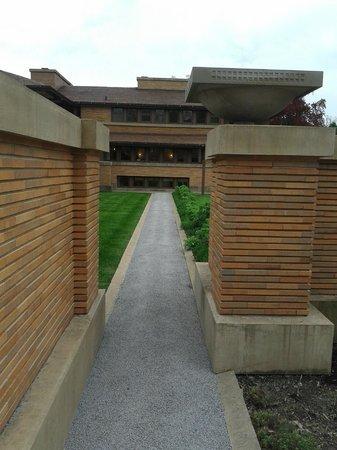 Frank Lloyd Wright's Darwin D. Martin House Complex : Clean lines