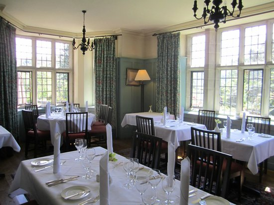 Ard na Sidhe Country House: Intimate dining space
