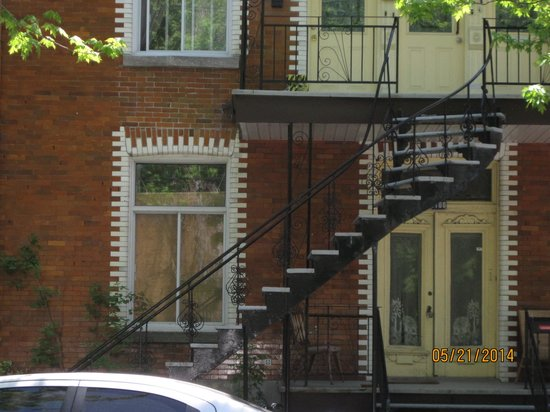 Plateau Mont-Royal : Outside stairs, a Montreal fixture
