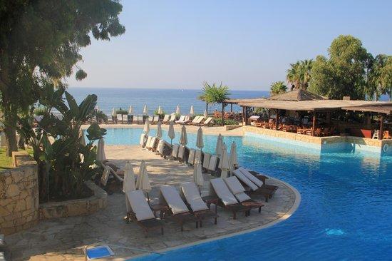 Parklane, A Luxury Collection Resort & Spa: Вид 2 на бассейн