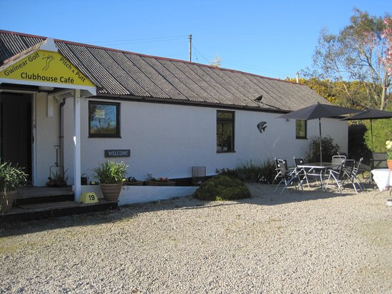 Gwinear Pitch & Putt: Our lovely friendly clubhouse cafe