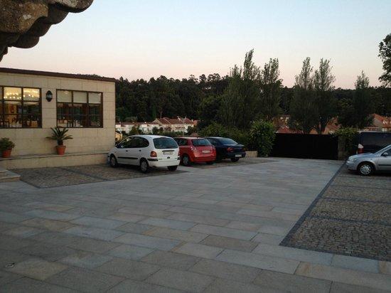 Hotel Pazo O'Rial: Parking
