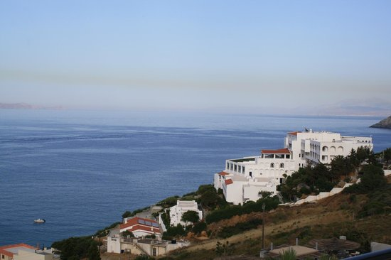 Blue Bay Resort Hotel: Вид с веранды отеля.
