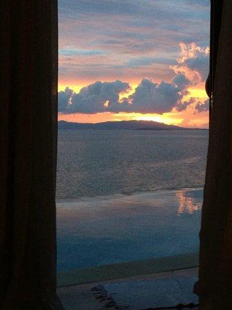 Santhiya Koh Yao Yai Resort & Spa: Lookout towards Phuket from Bed
