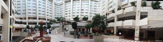 Hilton Prague: Hilton Lobby