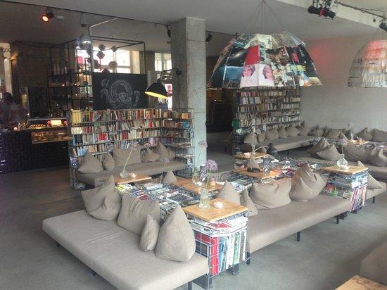 Michelberger Hotel: Lounge area